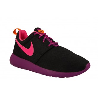 Baskets Nike rosherun noir...